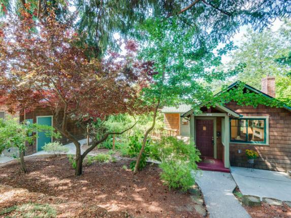 7423 SW 33rd Ave Portland OR-MLS_Size-001-Front of Home-640x480-72dpi