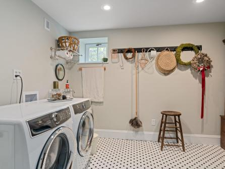 5506 SE Lafayette St Portland-041-032-Laundry-MLS_Size